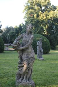 sochy v parku Valeč